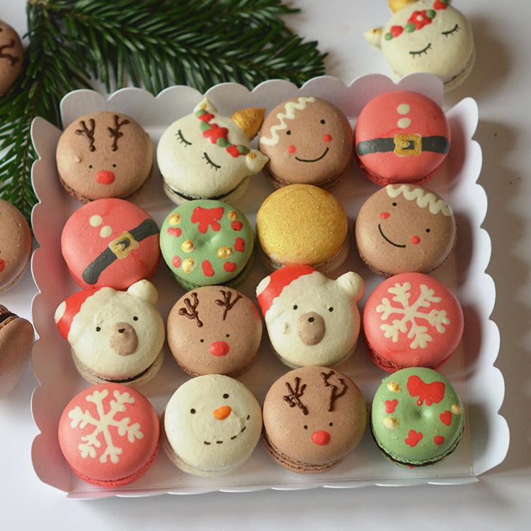 Grande boite 16 macarons de Noël