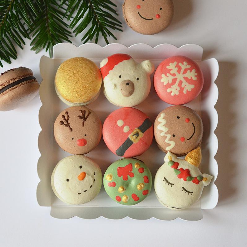 Petite boite 9 macarons de Noël